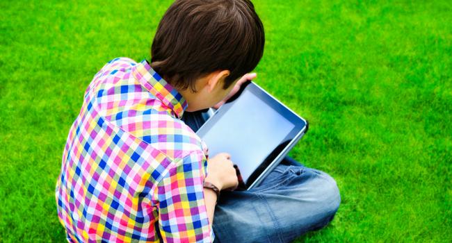 Des conseils pour protéger vos enfants sur Facebook