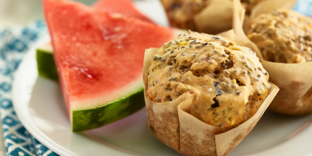 Recette : Muffins au melon d'eau, cerises aigres séchées et graines de chía
