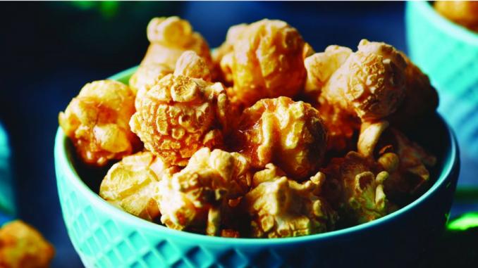 Recette : Boulettes de maïs soufflé à l'érable, au bacon et à la guimauve