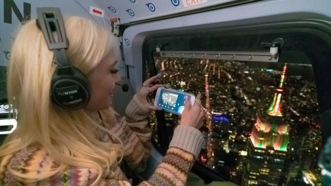 Empire State Building et iHeartMedia donnent un avant-goût de Noël avec leur spectacle son et lumière mettant en vedette Gwen Stefani
