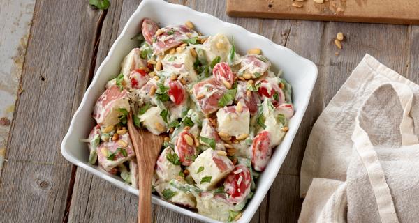 Salade crémeuse de pommes de terre nouvelles au basilic