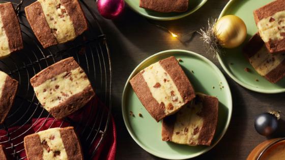 Biscuits au chocolat et à la noix de coco bicolores